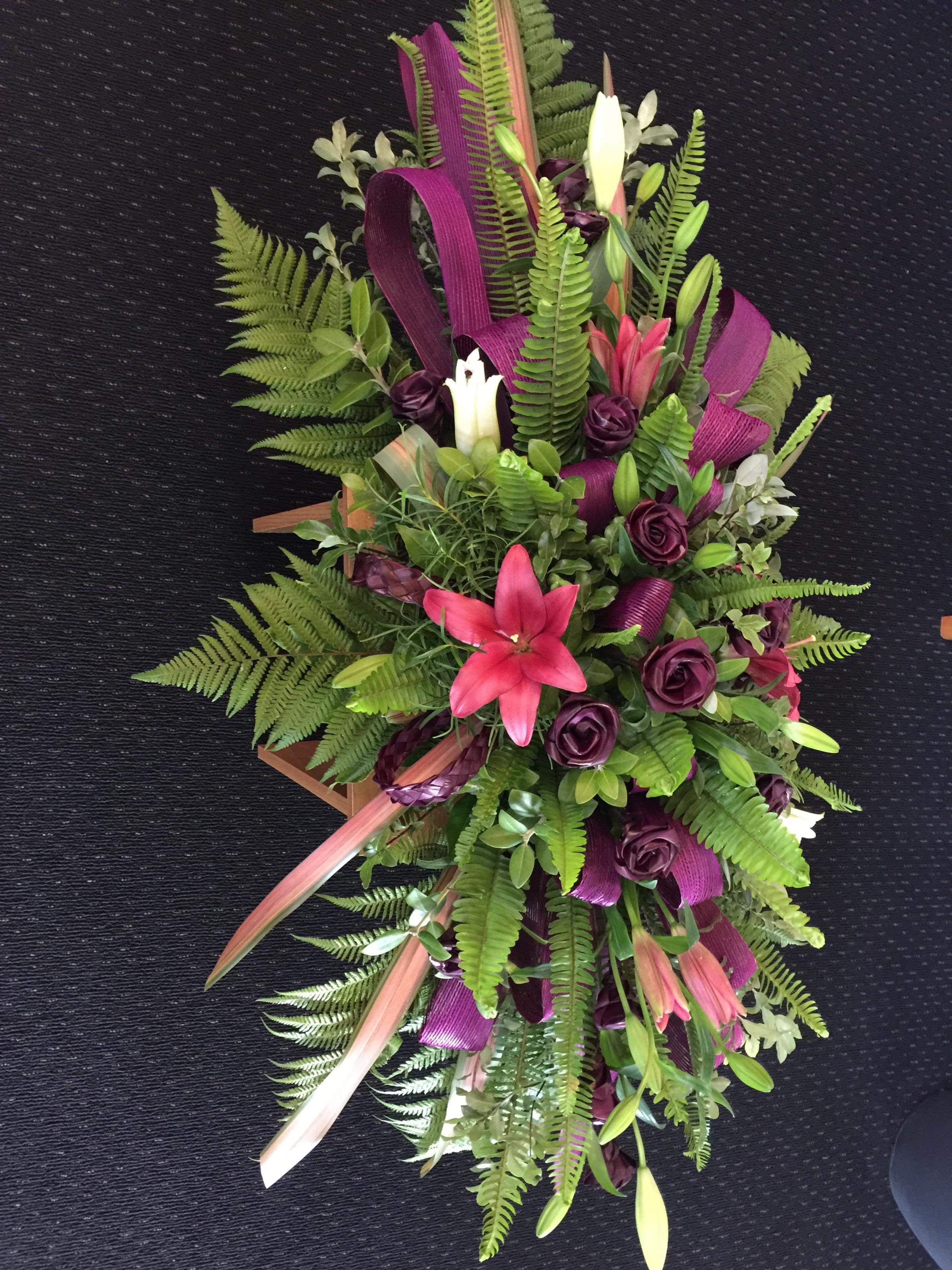 Floral selection gateway funeral services in recent years sympathy arrangements have begun to incorporate a wide variety of flowers and colours the traditional language of flowers provides a way izmirmasajfo